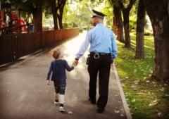Poveste cu un copil pierdut in parc si un politist local