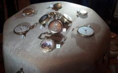 """Povestea ceasurilor din aur cu valoare uriasa care au apartinut regelui Carol I. Nimeni nu stie cum au ajuns in posesia unei """"persoane private"""" din Bucuresti"""