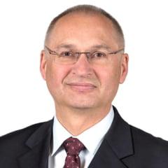 Povestea deputatului care a demisionat din Parlament dupa ce a furat un sandvis