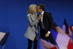 Povestea unica de dragoste a prezidentiabilului Macron cu profesoara lui, cu 25 de ani mai in varsta