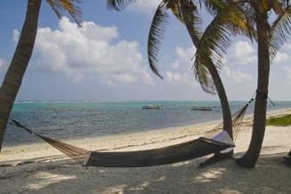 Povestea unui roman blocat de 2 luni in Insulele Cayman. Ce mesaj are pentru autoritati