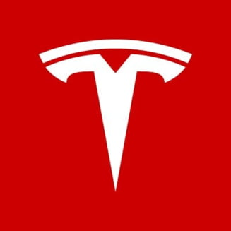 Povesti de groaza de la angajatii Tesla: Un om a lesinat, a cazut ca o clatita si si-a spart fata. Ne-au trimis sa lucram in jurul lui