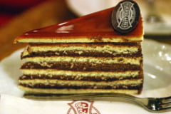 Prajituri celebre - Dobos, secretul unguresc