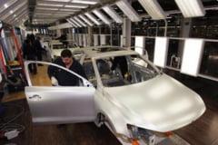 Prapastie tot mai adanca in industria auto din Europa - Cine castiga razboiul
