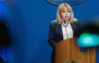 Președinta Senatului, Anca Dragu, implicată într-un accident rutier pe o stradă din Capitală. Se afla într-o mașină SPP