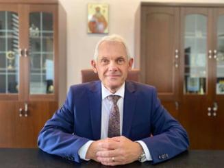 Prefectul de Sibiu si-a cerut scuze de la medicul admonestat pentru ca a solicitat suplimentarea paturilor pentru pacientii COVID-19
