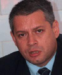 Prefectul de Vrancea, acuzat de PSD ca-i ajuta pe liberali in campanie