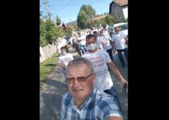 Prefectura Prahova l-a suspendat din nou din funcție pe primarul pornograf din Șotrile. Mandatul acestuia abia fusese validat de instanță