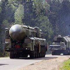 Pregatiri pentru razboi? Rusia face si exercitii nucleare