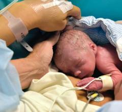Premiera medicala: o femeie a nascut dupa ce a facut transplant de uter