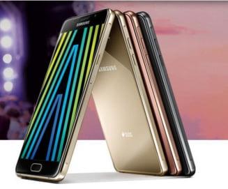 Premiera pentru Samsung: Coreenii lanseaza doua noi telefoane care rezista la praf