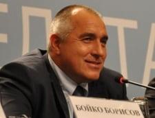 Premierul Bulgariei, acuzat ca a petrecut 400 de zile taind panglici