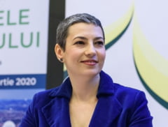 Premierul Cîțu l-a demis pe șeful Agenției Funcționarilor Publici, vicepreședinte USR și a repus-o în funcție pe Violeta Vijulie de la PNL