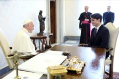 Premierul Canadei asteapta scuze de la Papa Francisc