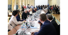 Premierul Dancila a numit 11 persoane in Comisia pentru trecerea la euro