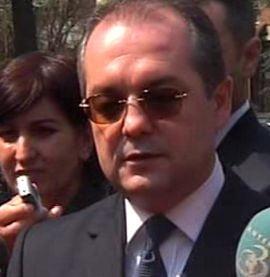 Premierul Emil Boc vrea sa reduca salariile ministrilor cu 20% (Video)