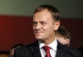 Premierul Poloniei a inotat la Tel Aviv, pazit de agenti secreti
