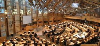 Premierul Scotiei vrea sa ceara Parlamentului blocarea prin veto a iesirii Marii Britanii din UE