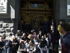 Premierul armean a demisionat, pe fondul unor proteste de amploare