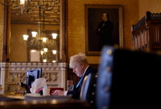 """Premierul britanic Boris Johnson: """"Vaccinarea cu a treia doză trebuie să aibă prioritate faţă de donaţiile de vaccinuri"""""""