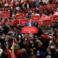 Premierul canadian Justin Trudeau, cu vesta antiglont la mitingurile electorale