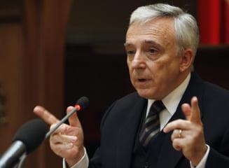 Premierul interzis, Mugur Isarescu