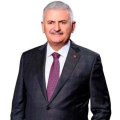 """Premierul turc il avertizeaza pe Trump: Criza refugiatilor nu va fi rezolvata """"prin ridicare de ziduri"""""""