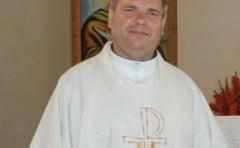 Preot catolic, acuzat de un enorias ca l-a batut cu o bata de baseball