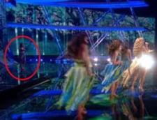 Presa britanica: Elena Gheorghe a mimat pe scena Eurovision
