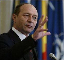 Presa de azi: Basescu injecteaza hormoni in campania electorala