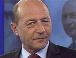 Presa de azi: Traian Basescu face pasi spre a treia Republica