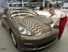 Presa internationala - Porsche, in cautarea unui investitor