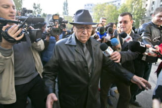 Presa internationala: Romania redeschide usa catre era comunista