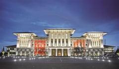 Presedinte comparat cu Ceausescu, dupa ce si-a construit un palat pe stilul Casei Poporului