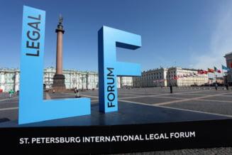 Presedintele CCR, Valer Dorneanu, se afla in Rusia, la un eveniment patronat de Putin, desi MAE i-a recomandat sa nu mearga