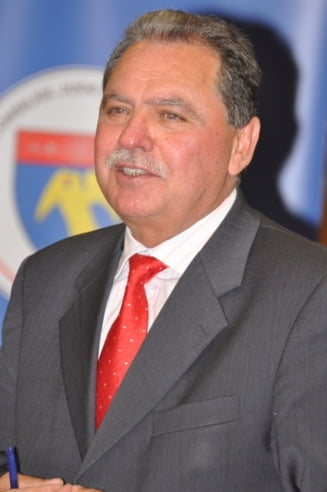 Presedintele CJ Arges s-a intors la munca in aplauzele colegilor
