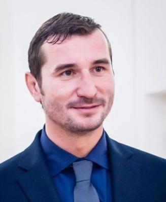 Presedintele COSR, Alin Petrache, acuzat de triplu plagiat