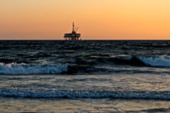 Presedintele Iohannis a promulgat Legea offshore