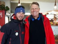 Presedintele Iohannis a urcat pe Platoul Bucegi si s-a intalnit cu o echipa de salvamontisti