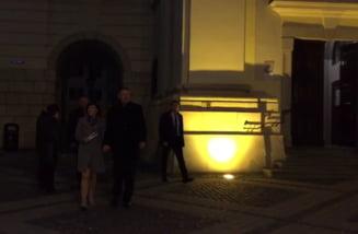 Presedintele Iohannis si sotia sa, la slujba de Inviere la Biserica Sfanta Treime din Sibiu