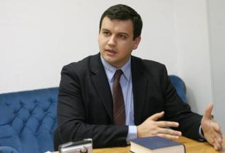 Presedintele Miscarii Populare: Ponta fuge de responsabilitate ca dracu' de tamaie