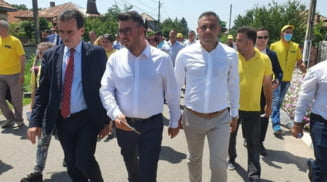 Presedintele PNL, Ludovic Orban, alaturi de Marius Aliman, candidatul liberal la Primaria Deveselu, in campania electorala