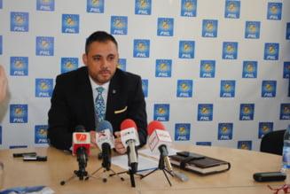 Presedintele PNL Olt, Liviu Voiculescu, are COVID
