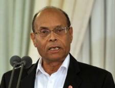 Presedintele Tunisiei, atacat cu pietre la aniversarea revolutiei