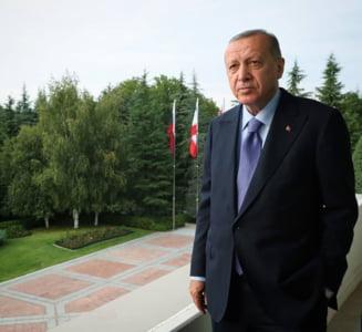"""Presedintele Turciei: Vizita lui Macron la Beirut a fost un """"spectacol"""". Erdogan il acuza pe omologul sau francez de """"colonialism"""""""