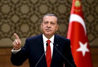 Presedintele Turciei, acuzat ca pregateste o lovitura de stat