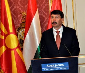 Presedintele Ungariei si trenuri pline de maghiari vin in Romania pentru slujba papei Francisc