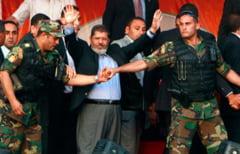 Presedintele demis al Egiptului a fost rapit de armata, acuza familia
