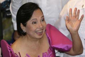 Presedintele filipinez si-a numit manichiurista in Guvern
