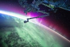Presiunea aerului de pe ISS continua sa scada. Cosmonautii rusi au acoperit o fisura cu banda adeziva